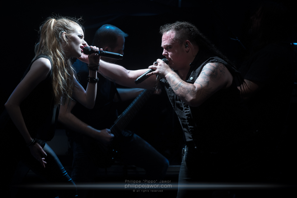 """Aeva Maurelle (left) and Marcel """"Chubby"""" Römer (right), singers of the German alternative metal band Aeverium, live in Lyon, France, December 2017.  © Philippe """"Pippo"""" Jawor All rights reserved."""