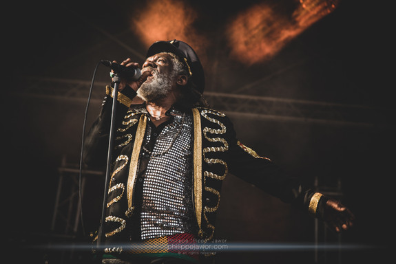 """The Jamaican Reggae artist Winston McAnuff, live at Foreztival festival, Trelins, France, August 2019.  © Philippe """"Pippo"""" Jawor All rights reserved."""