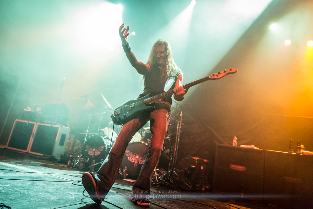 """Damien Sisson, bass player of the American thrash metal band Death Angel, live in Lyon, France, December 2017.  © Philippe """"Pippo"""" Jawor All rights reserved."""