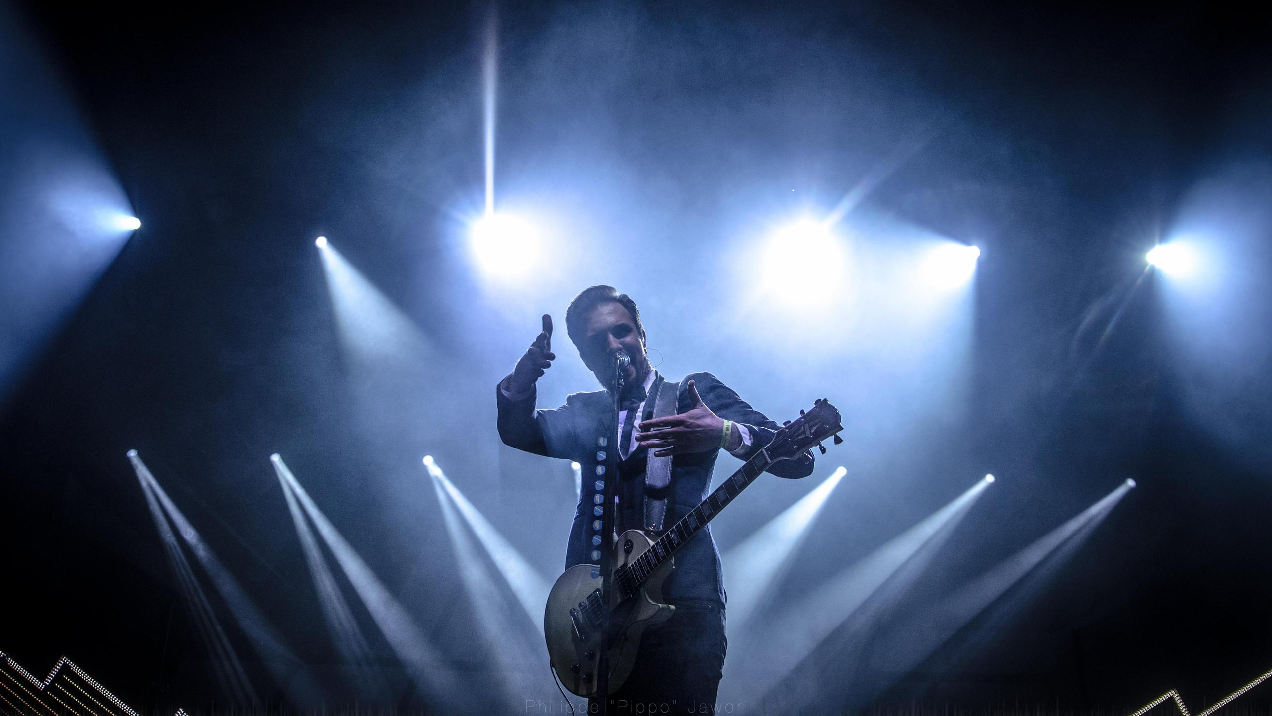 Adam Grahn, lead singer of the Swedish rock band Royal Republic, at Rock en Seine festival, August 2016.