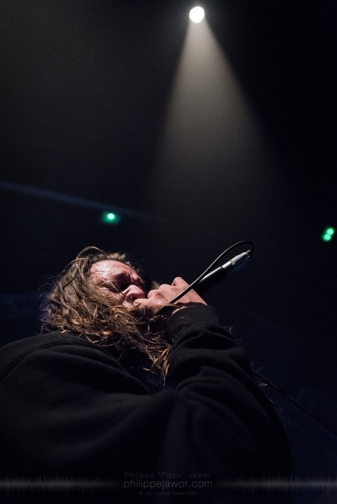 """Jamie Hails, lead singer of the Australian metalcore band Polaris, live in Lyon, France, with the Impericon Never Say Die! Tour, November 2017.  © Philippe """"Pippo"""" Jawor All rights reserved."""