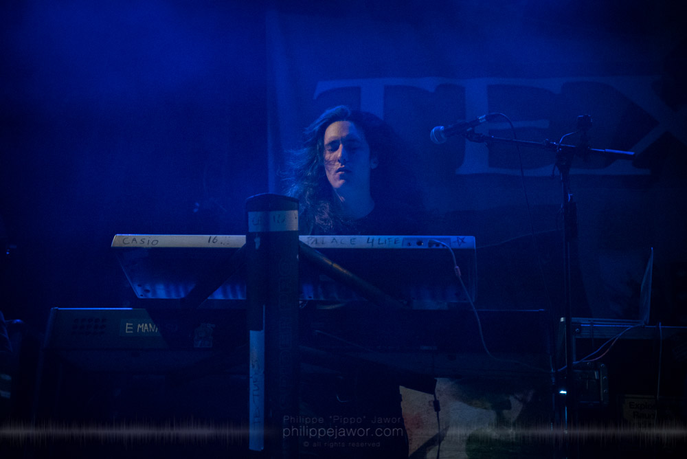 """Uri Dijk, keyboards player of the Dutch progressive metal band Textures, live in Lyon, France, November 2017.  On assignment for Metal Obs' Magazine © Philippe """"Pippo"""" Jawor All rights reserved."""