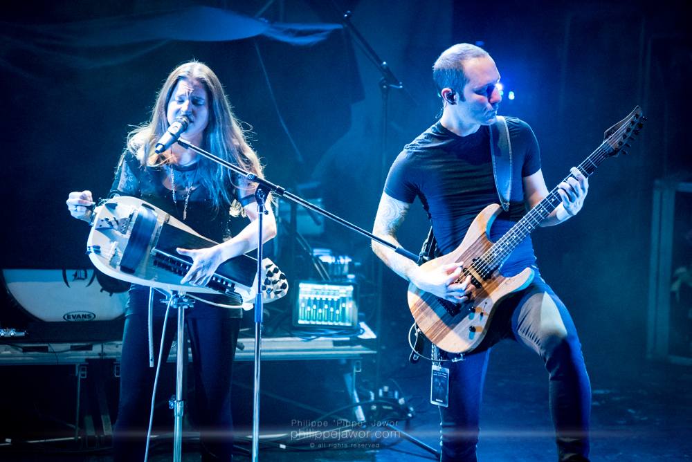 """Anna Murphy (left), lead singer, and Ivo Henzi (right), guitarist of the Swiss folk metal band Cellar Darling, live in Lyon, France, December 2017.  © Philippe """"Pippo"""" Jawor All rights reserved."""