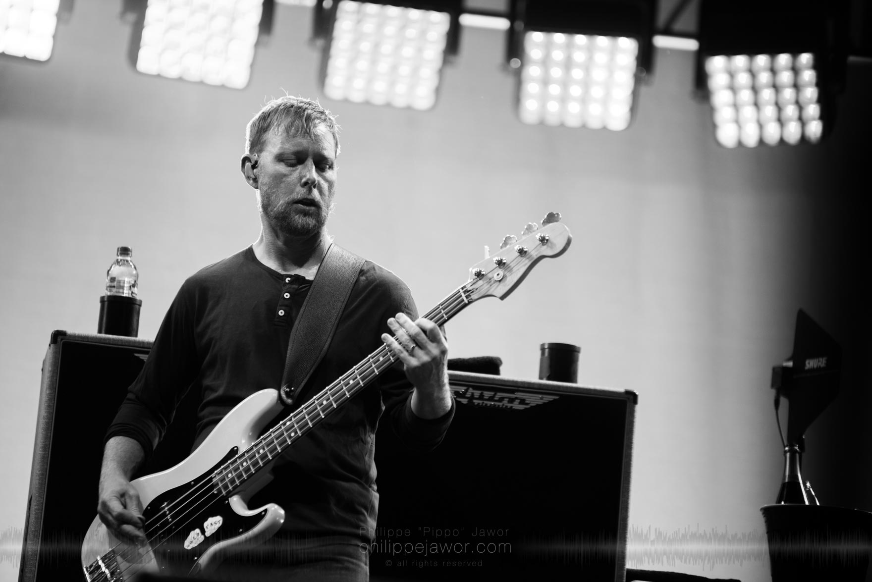 "Nate Mendel, bass player of the American rock band Foo Fighters @ AccorHotels Arena, Paris, France, July 2017.  © Philippe ""Pippo"" Jawor on assignment for Metal Obs' Magazine, all rights reserved."