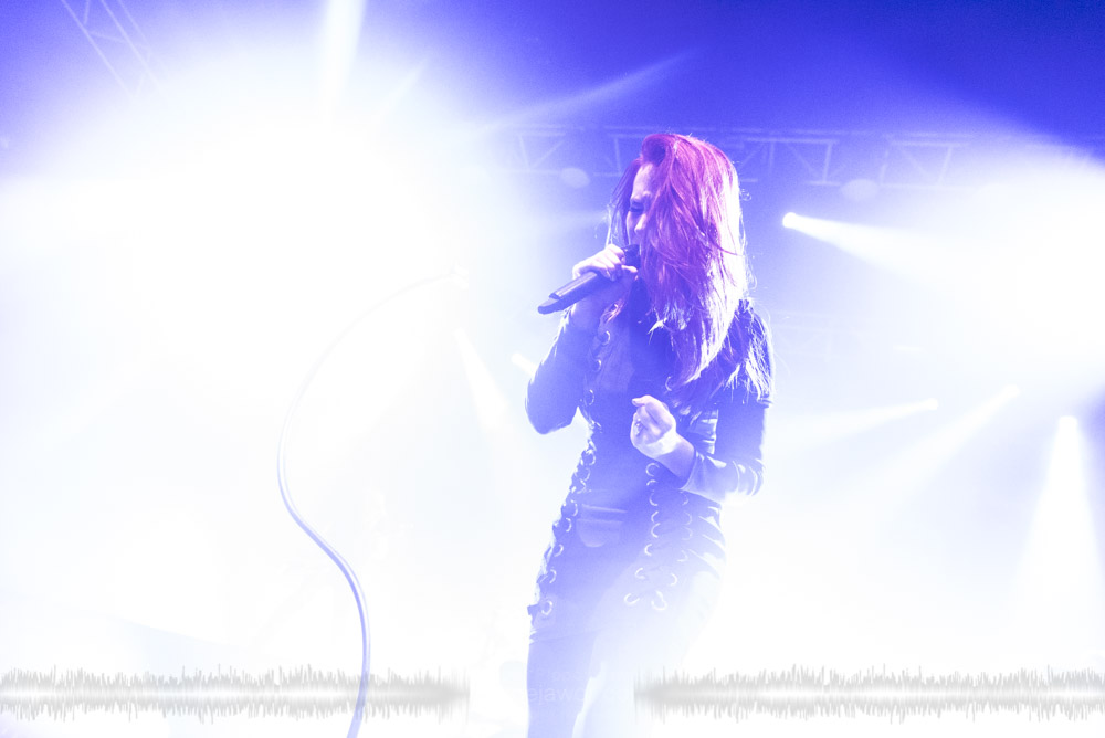 """Simone Simons, lead singer of the Dutch symphonic metal band Epica live in Lyon, France, November 2017.  © Philippe """"Pippo"""" Jawor All rights reserved."""