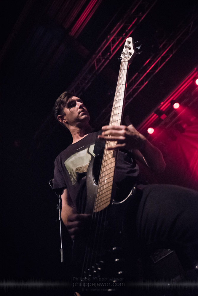 """Jake Steinhauser, bass player of the Australian metalcore band Polaris, live in Lyon, France, with the Impericon Never Say Die! Tour, November 2017.  © Philippe """"Pippo"""" Jawor All rights reserved."""