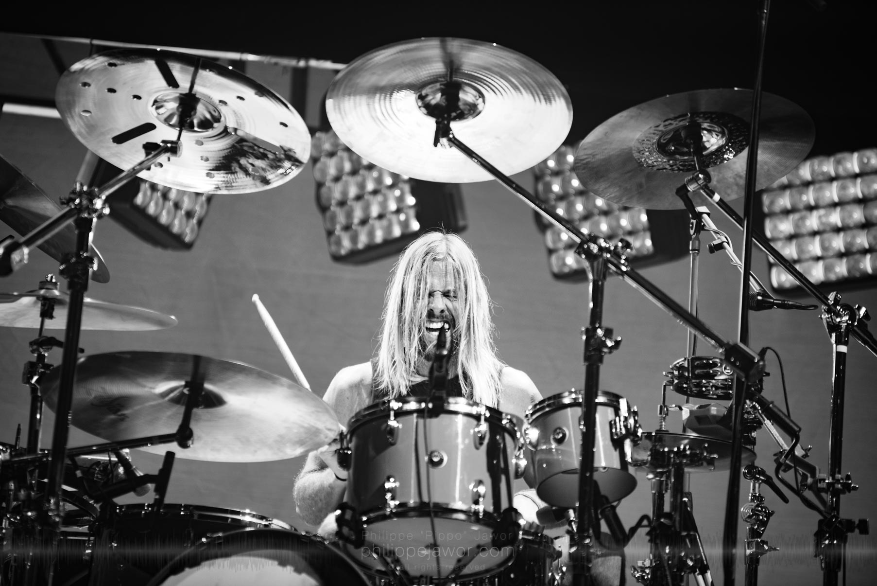 "Taylor Hawkins, drummer of the American rock band Foo Fighters @ AccorHotels Arena, Paris, France, July 2017.  © Philippe ""Pippo"" Jawor on assignment for Meetal Obs' Magazine, all rights reserved."