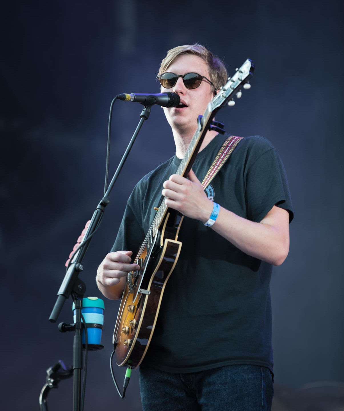 The English folk rock singer George Ezra, live at Rock en Seine festival, Paris, France, August 2017.  On assignment for ZYVA Magazine All rights reserved.
