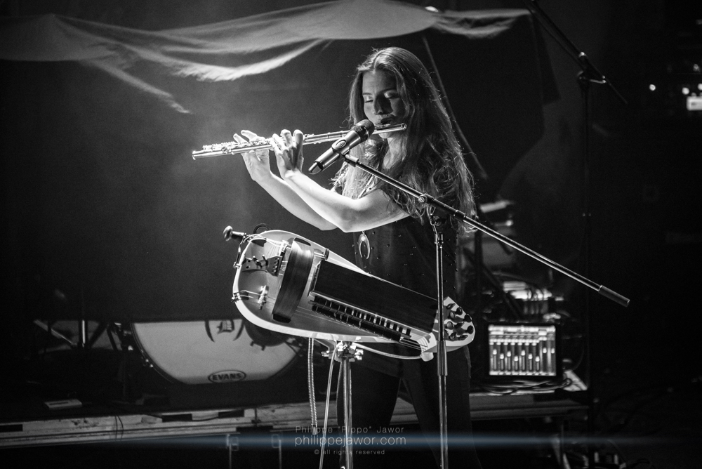 """Anna Murphy, lead singer of the Swiss folk metal band Cellar Darling, live in Lyon, France, December 2017.  © Philippe """"Pippo"""" Jawor All rights reserved."""