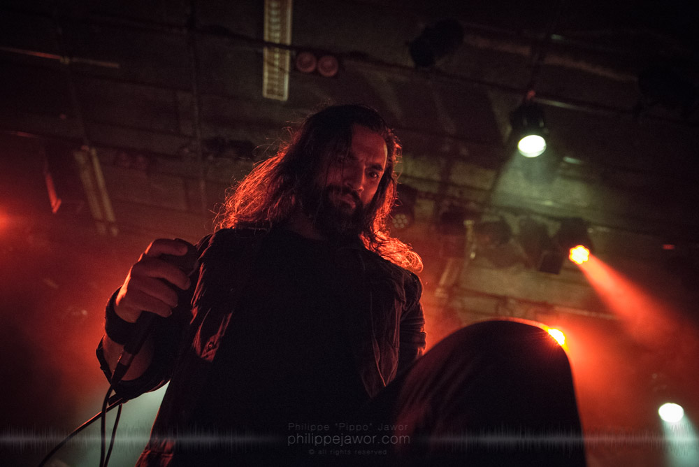 """Daniël de Jongh, lead singer of the Dutch progressive metal band Textures, live in Lyon, France, November 2017.  On assignment for Metal Obs' Magazine © Philippe """"Pippo"""" Jawor All rights reserved."""