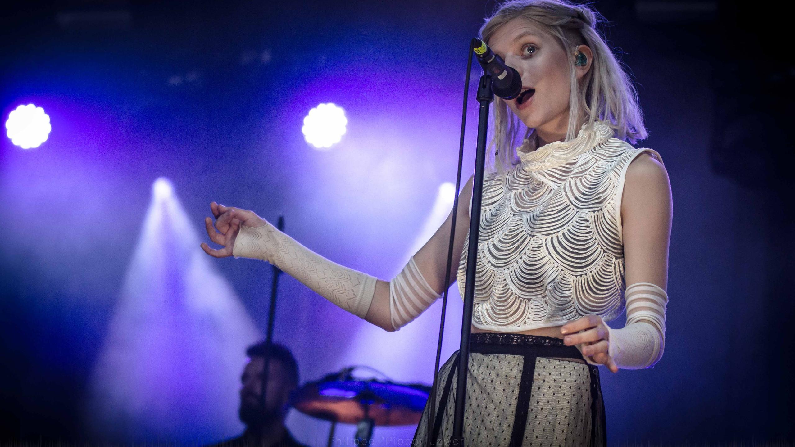 The Norwegian pop artist Aurora Aksnes, at Rock en Seine festival, August 2016.