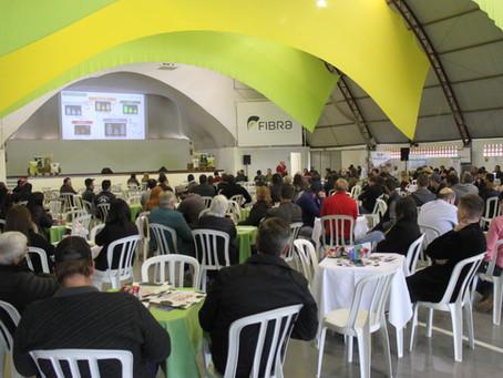 Fibra Leite 2019 atrai cerca de 200 produtores da região