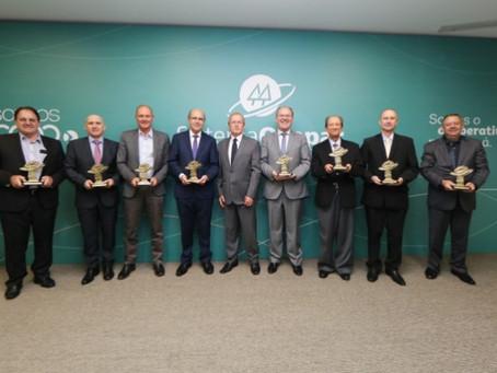 Luiz Roberto Baggio é um dos homenageados na AGO 2019 do Sistema Ocepar