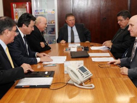 Representantes do Cooperativismo se reúnem em Brasília com oministro da Agricultura, Pecuária e Aba
