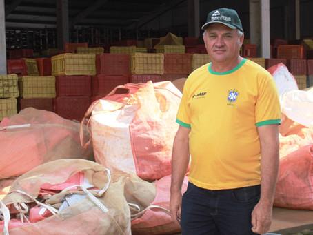 Agricultor mantém a tradição do cultivo de batata