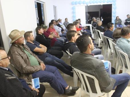 Reunião com cooperados tem ação do Novembro Azul e palestra da Timac