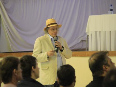 José Luiz Tejon comenta sobre a Cooperativa Bom Jesus em programa de radio