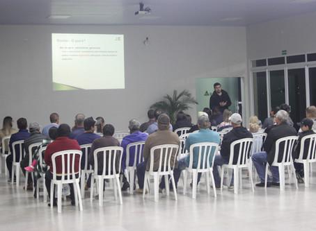 Cerimônia de entrega das Sobras do Leite na Lapa tem palestra sobre Gestão de Propriedade