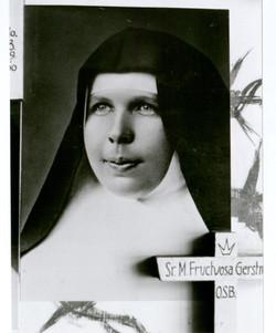 푸룩투오사 수녀