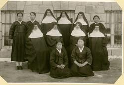 원산 수녀님들과 지원자들