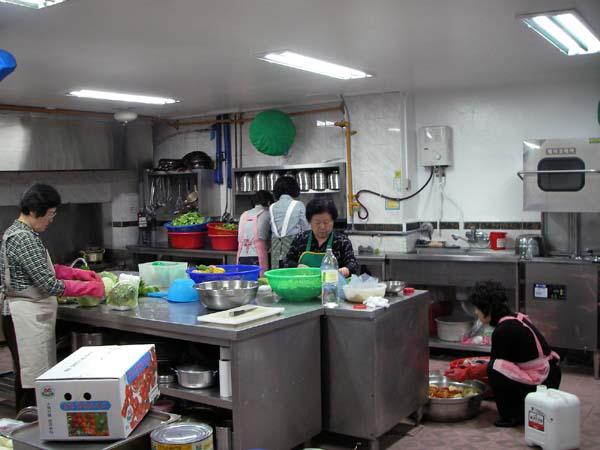 구리 베드로 식당 주방