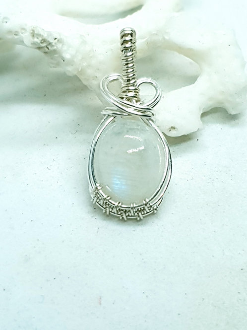 Dainty moonstone hand woven silver pendant necklace