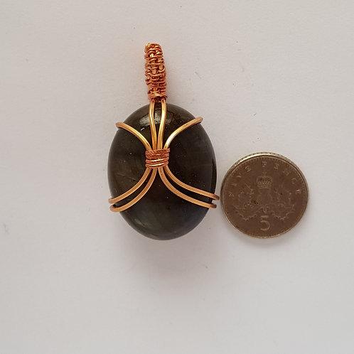 Gold coloured copper wire and labradorite pendant