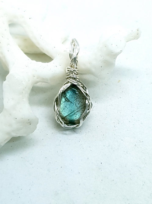 Dainty peacock green flash labradorite and silver braided pendant necklace