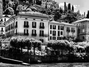 Visit stunning Italian villages by Lake Como. Hotspots for summer vacay in Europe.