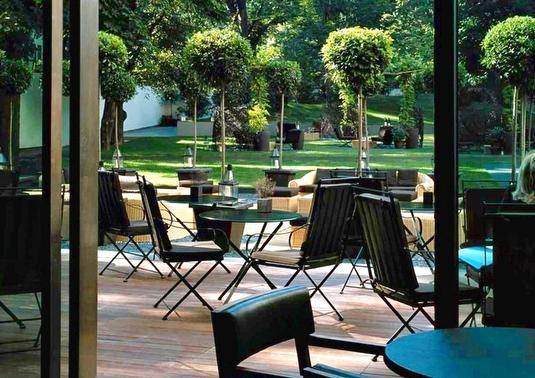The garden at Bulgar Hotel Milano