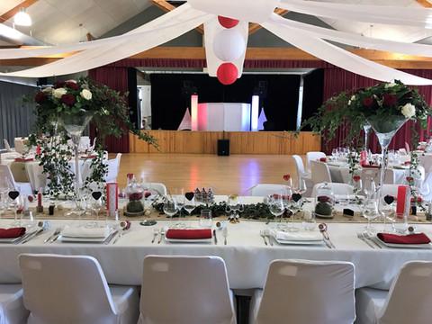 Félicitations à Flavie et Charly pour ce beau mariage @ Salle des fêtes de Tuffé @ Tuffé (72).  Tous