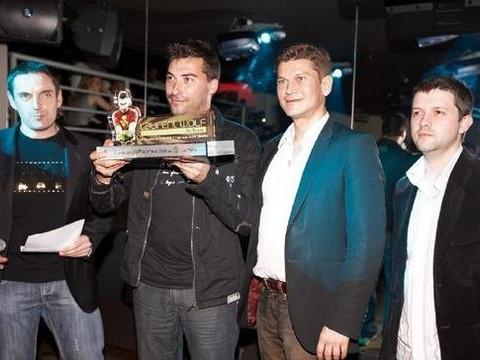 Remise du Trophée Numéro 1 des clubs et des ventes de disques en France à Laurent Wolf en présence d