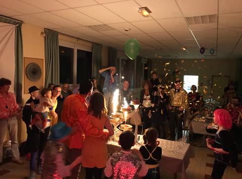 Anniversaire de Julie à l'occasion de ses 30 ans @ salle des fêtes de La Bazoge (72650).  Remerc