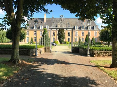 Mariage d'Amélie et Julien @ Château De La Freslonnière @ Souligné-sous-Ballon (72290).  Remerci