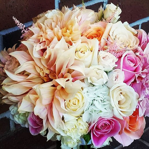 Beautiful bouquet from this past Sunday #localdahlias #accentsbysage #floristry #bridalbou