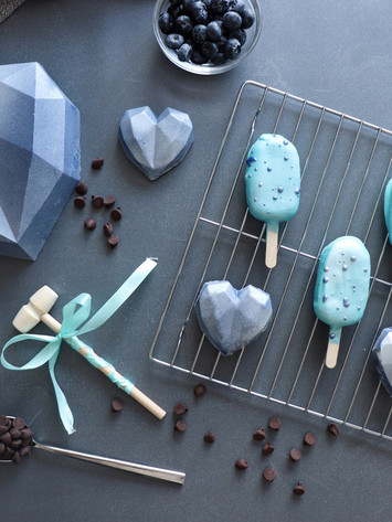 Chcolate Heat & Popsicles Filled with Cake