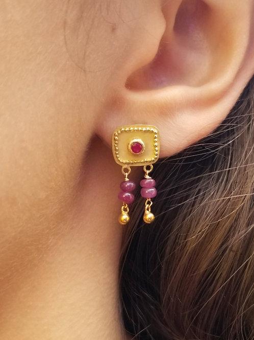 Earrings carrés granulation rubis