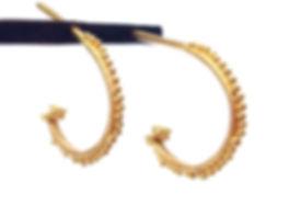 handmade gold hoops.fine jewelry. créoles em or. bijoux de créateur