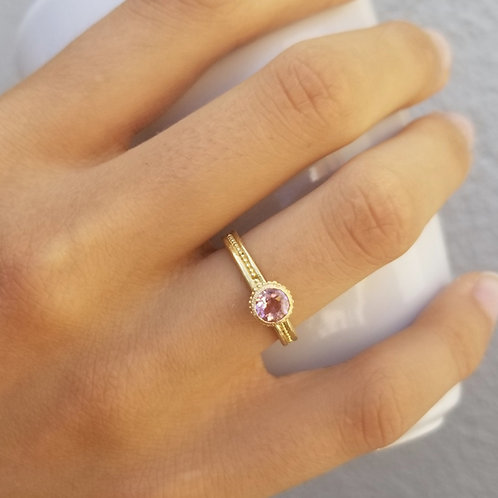 Roma bb ring with pink tourmaline 5mm.