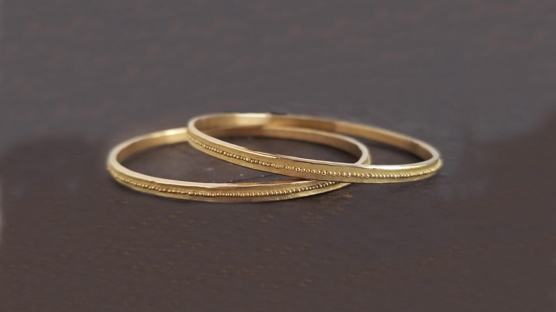 joncs bracelets de createur en or et granulation valérie lachuer