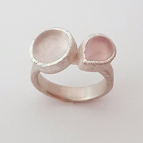 Silver ring with 2 pink quartz