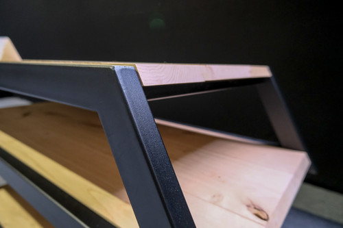 hout en stalen meubel