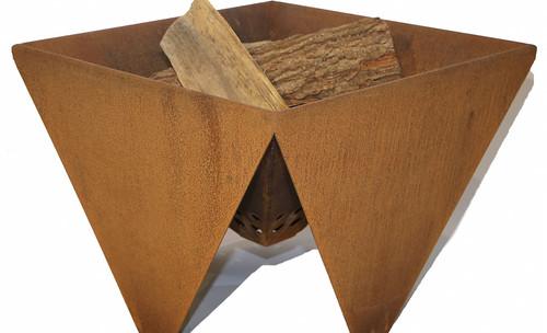 vuurkorf PvN voorkant met hout vierkant.