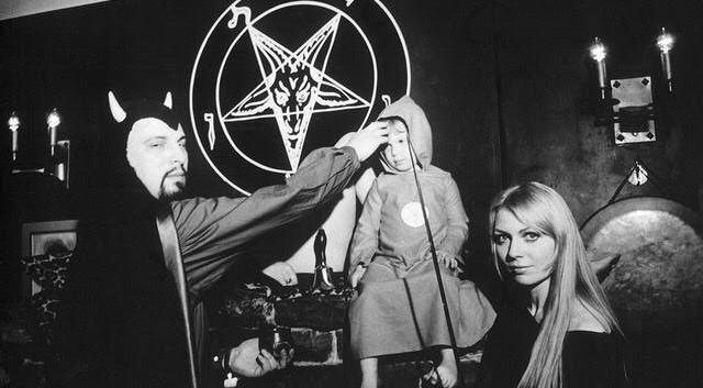 Anton LeVay preforms the first Satanic Baptism on daughter Zeena LeVay