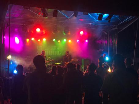 Sonorisation et jeux de lumières du festival Les Bouteilles Folles #5