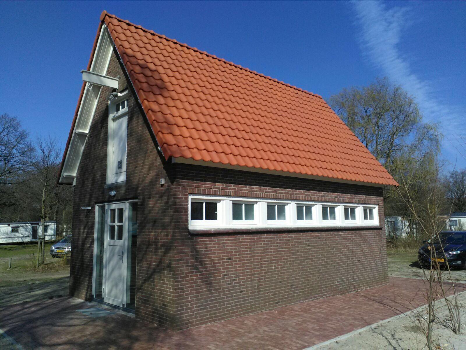 sanitairgebouw4874