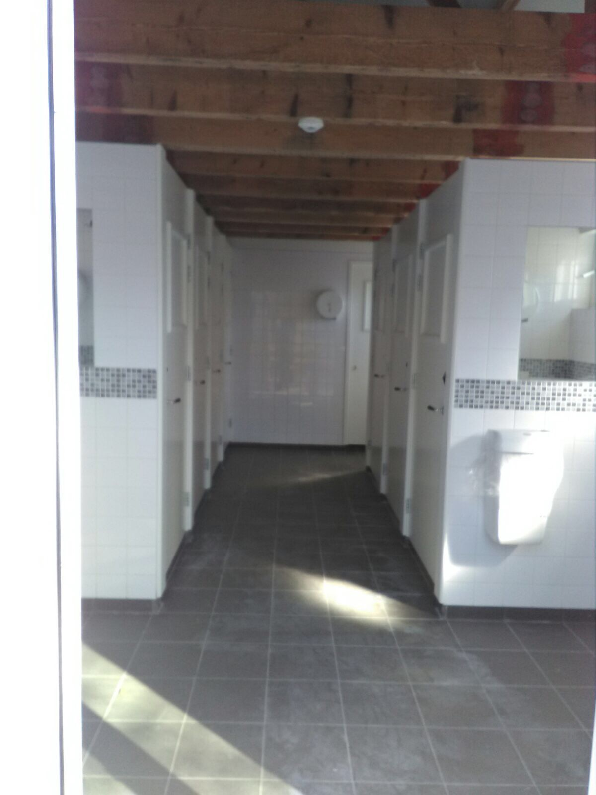 sanitairgebouw4875