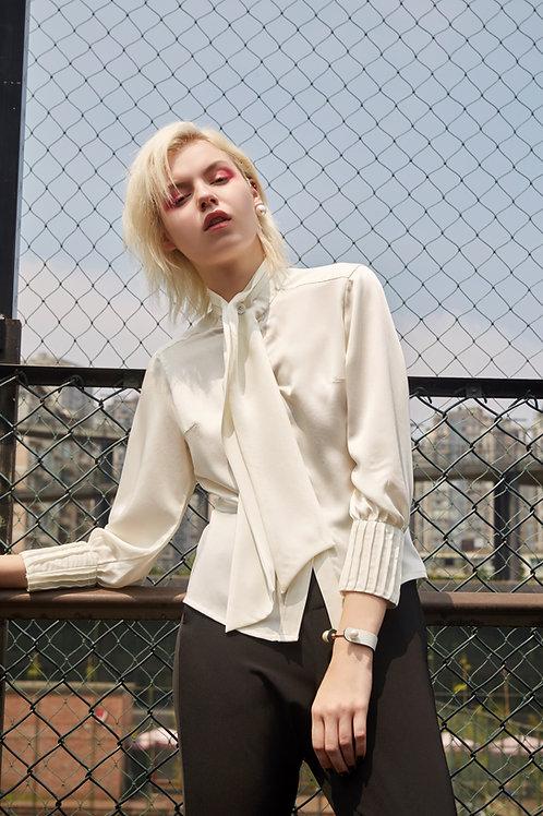 White semifitted shirt