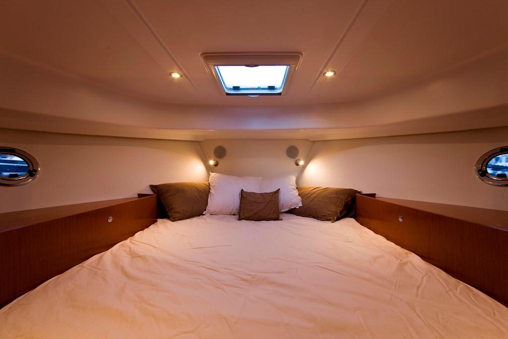 ST34 main cabin