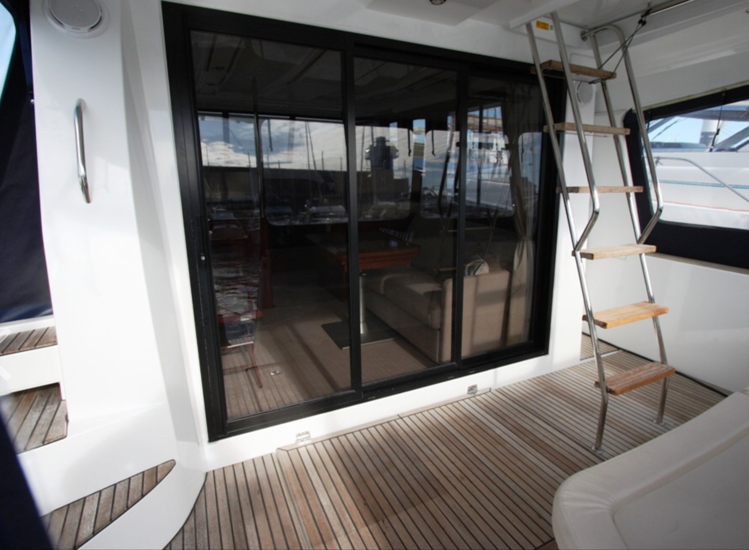 Lady Anne MCA coded luxury charter